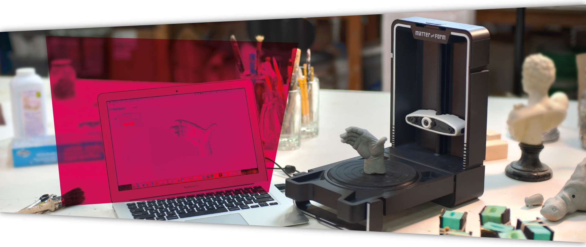 <h2>3D Printing<br />and scanning</h2><h3>Kickstart your creativity with infinite<br />possibilities of 3D printing and scanning!</h3>